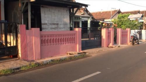 Rumah pegawai Lapas Mojokerto diteror bom molotov (iNews/Sholahudin)
