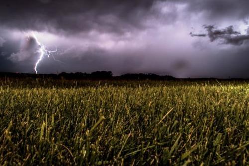 Ilustrasi hujan. (Foto: Unsplash)