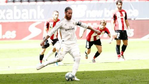Sergio Ramos sukses menjalankan tugas sebagai algojo (Foto: Twitter/@realmadrid)