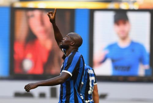 Romelu Lukaku membawa Inter Milan unggul 1-0 di babak pertama (Foto: Twitter/@Inter_en)