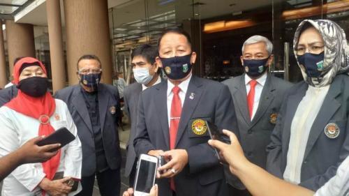 Ketua PBTI memberikan keterangan pers (Foto: Istimewa)
