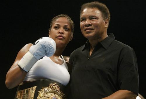 Muhammad Ali dan putrinya Laila (Foto: AFP)