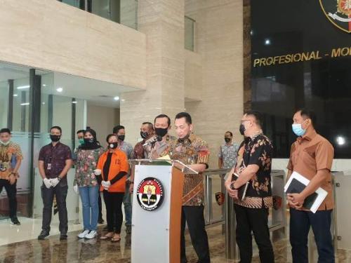 Kabareskrim Komjen Listyo Sigit Prabowo berikan keterangan pers terkait kasus Maria Pauline Lumowa (Foto : Okezone.com/Puteranegara Batubara)