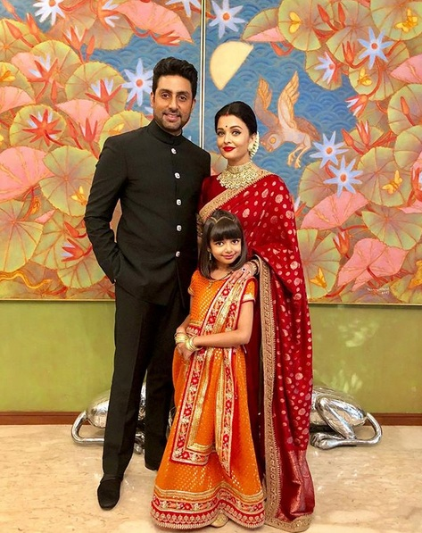 Aishwarya Rai bersama suami dan anak. (Foto: Instagram/@aishwaryaraibachchan_arb)