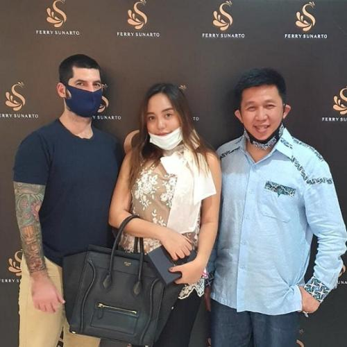 Ferry Sunarto bersama Salmafina Sunan dan kekasih bulenya. (Foto: Dokpri/Ferry Sunarto)