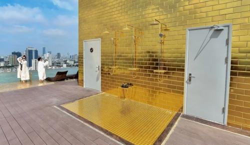 Hotel lapis emas (Business Insider)