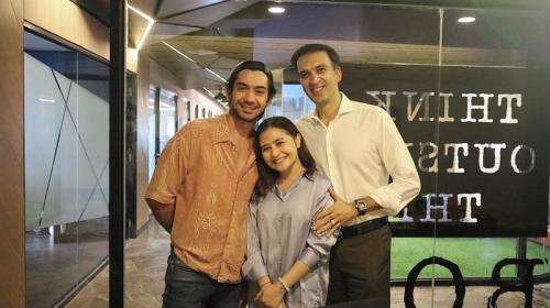 Reza Rahadian, Prilly Latuconsina, dan Manoj Punjabi.