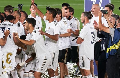 Gareth Bale tampak tak ikut merayakan kemenangan Madrid