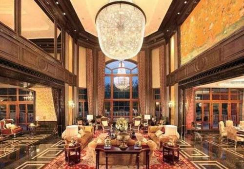 Rumah Crazy Rich