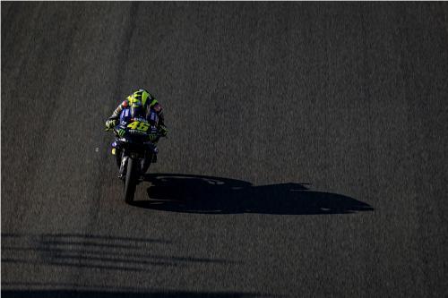 Valentino Rossi melaju di Sirkuit Jerez-Angel Nieto (Foto: Yamaha MotoGP)