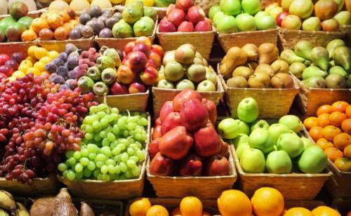 Serat, kalium, dan zat gizi mikro lainnya seperti antioksidan dalam buah dan sayuran memberikan perlindungan terhadap penyakit jantung.