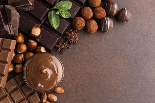 Cokelat digemari oleh masyarakat karena rasanya yang enak dan ternyata memiliki banyak khasiat.