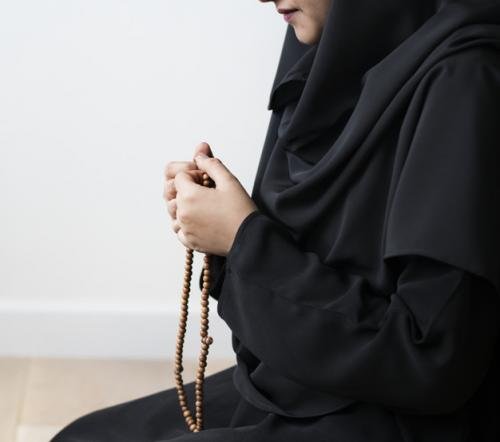 Ilustrasi Muslimah. (Foto: Freepik)
