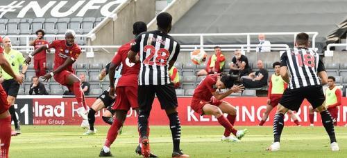 Laga Newcastle United vs Liverpool
