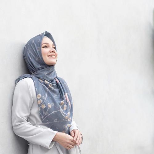 Inspirasi Model Hijab Ala 4 Artis Ini Cocok Untuk Idul Adha Okezone Muslim
