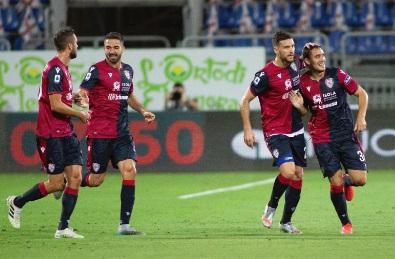 Cagliari tundukkan Juventus 2-0 (Foto: Twitter/@CagliariCalcio)
