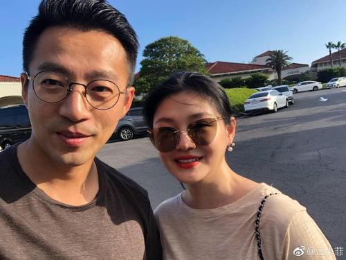 Barbie Hsu dan suami. (Foto: Weibo)