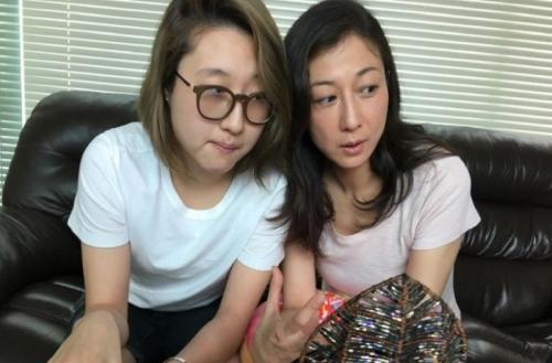 Elaine Ng dan putrinya. (Foto: Weibo)