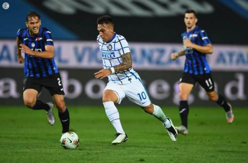 Suasana laga Inter vs Atalanta
