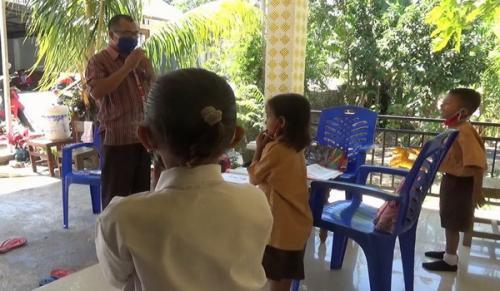 Guru datangi siswa