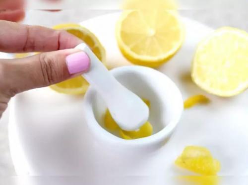 Kulit lemon.