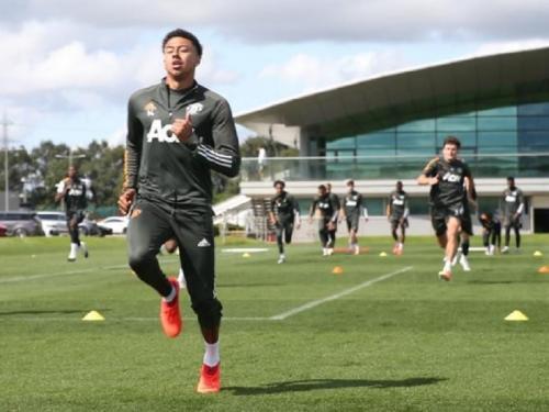 Jesse Lingard giat berlatih (Foto: UEFA)