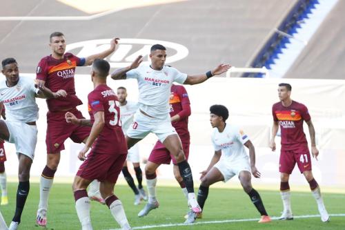 Sevilla berhasil lewati hadangan AS Roma (Foto: Twitter/@SevillaFC_ENG)