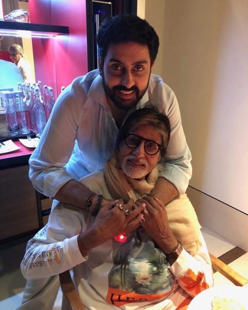 Abhishek dan Amitabh Bachchan. (Foto: Instagram/@bachchan)