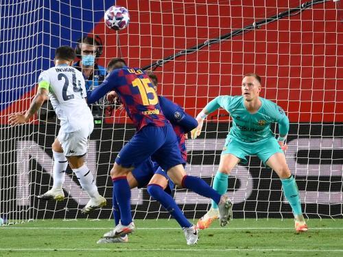 Suasana laga Barcelona vs Napoli