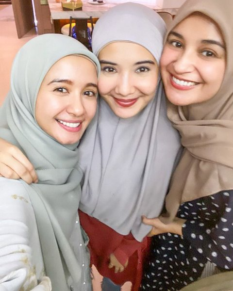 Laudya Cynthia Bella bersama The Sungkars Family. (Foto: Instagram @shireensungkar)