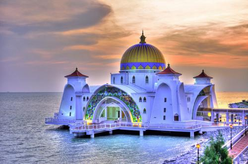 Masjid Melaka Straits