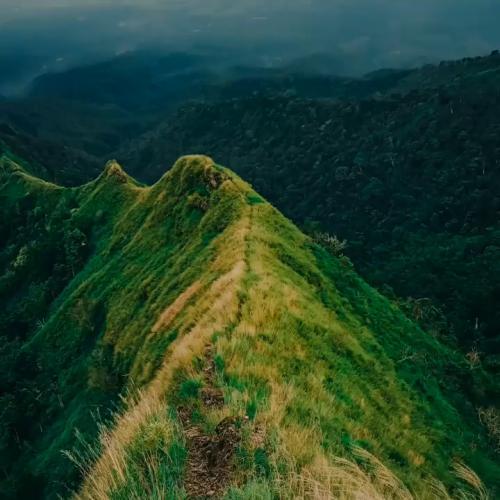Gunung Piramid