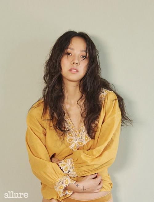 Lee Hyori jadi host MAMA 2021. (Foto: Allure)