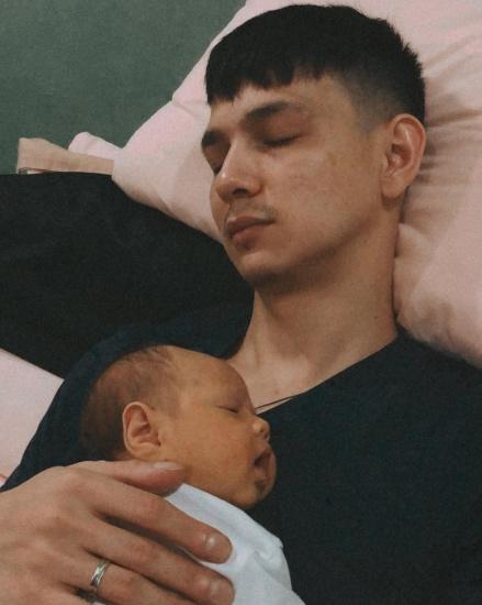 Marcell Darwin dan bayinya.
