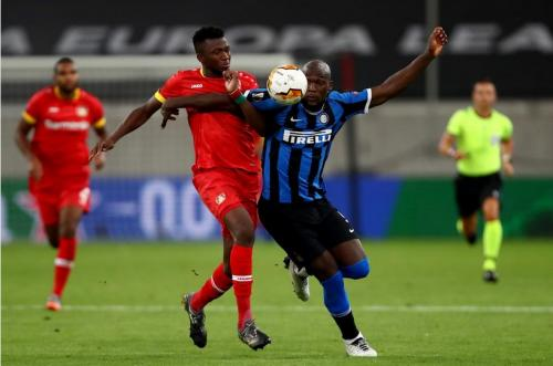 Suasana laga Inter Milan vs Bayer Leverkusen