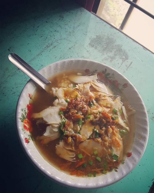 Soto Ayam Condong Raos