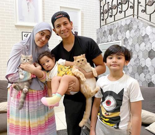Fairuz A. Rafiq dan keluarga