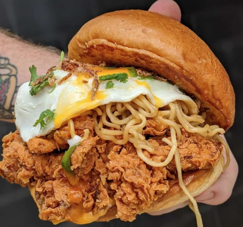 Burger Mi Goreng