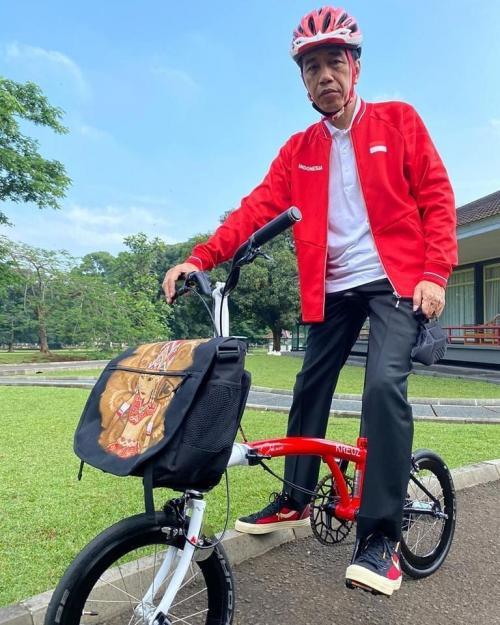 Jokowi Gowes Sepeda