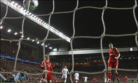 Suasana laga Liverpool vs Madrid di Liga Champions 2008-2009
