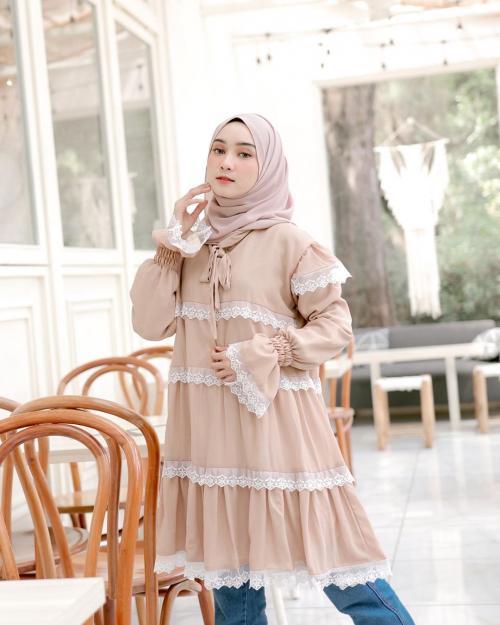 Ootd Girly Warna Pastel Ala Selebgram Hijab Nabila Lutfiah Alwi Okezone Muslim