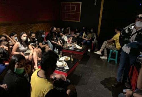 Tempat karaoke digerebek (Foto: Doc Polri)