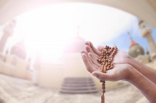Ilustrasi berdoa. (Foto: Shutterstock)