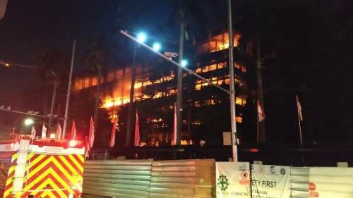 Gedung Kejagung terbakar.