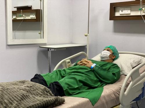 Ustadz Yusuf Mansur dirawat di rumah sakit. (Foto: Instagram @yusufmansurnew)