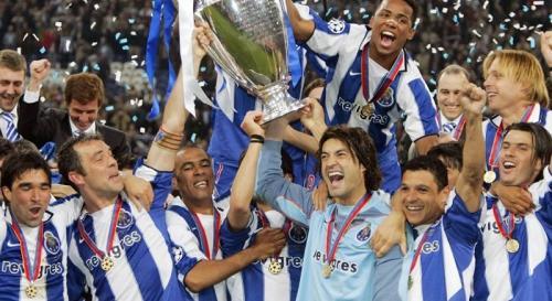 Carlos Alberto bersama skuad FC Porto (Foto: UEFA)