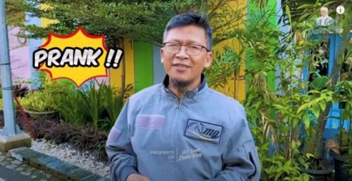 Aa Gym jelaskan hukum prank dalam Islam. (Foto: Youtube Aa Gym Daily Vlog)
