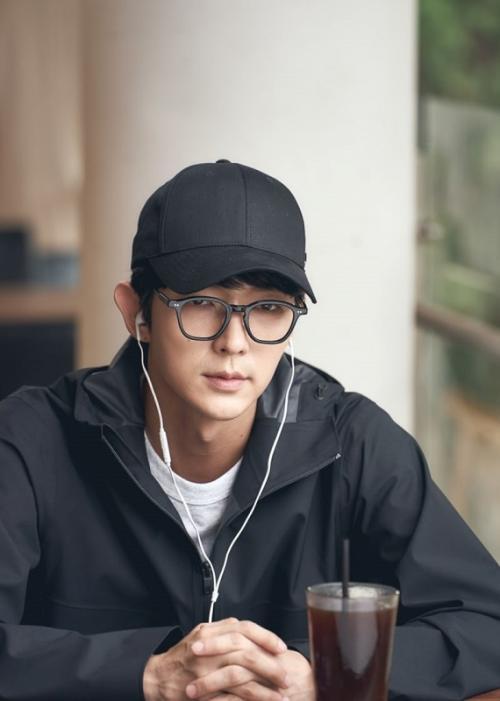 Lee Joon Gi di Flower of Evil