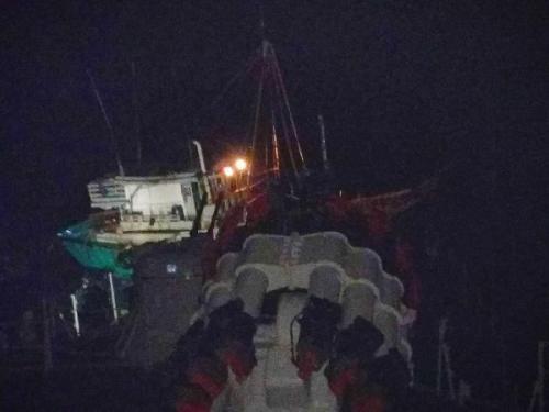 TNI AL tangkap kapal ikan berbendera Vietnam di Natuna. (Foto : Dispen TNI AL)