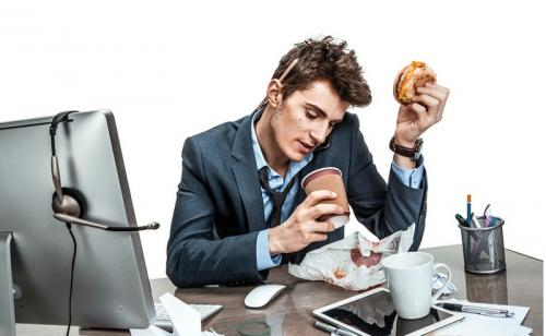 makan terlalu cepat